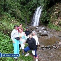 Via Simon Bolivan antigua via Cali Buenaventura - Bicivan Kayak Colombia (14 de 25).jpg