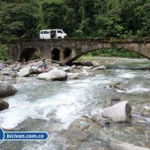 Via Simon Bolivan antigua via Cali Buenaventura - Bicivan Kayak Colombia (24 de 25).jpg