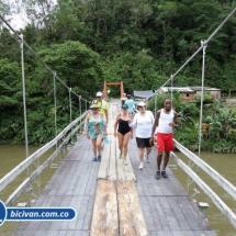 Via Simon Bolivan antigua via Cali Buenaventura - Bicivan Kayak Colombia (4 de 25).jpg