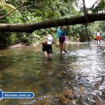 Via Simon Bolivan antigua via Cali Buenaventura - Bicivan Kayak Colombia (5 de 25).jpg