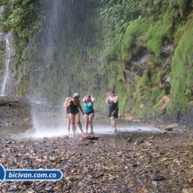 Via Simon Bolivan antigua via Cali Buenaventura - Bicivan Kayak Colombia (1 de 25).jpg