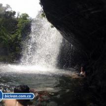 Via Simon Bolivan antigua via Cali Buenaventura - Bicivan Kayak Colombia (10 de 25).jpg