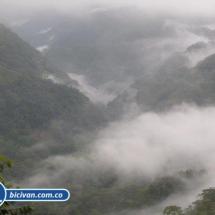 Via Simon Bolivan antigua via Cali Buenaventura - Bicivan Kayak Colombia (12 de 25).jpg