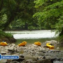 bicivan-tour-kayak-rio-anchicaya-sabaletas-valle-del-cauca-pacifico-colombia-52-jpg