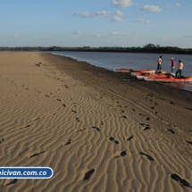 bicivan-tour-kayak-rio-meta-llanos-orientales-colombia-04.jpg