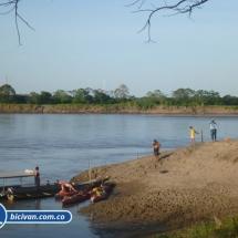 bicivan-tour-kayak-rio-meta-llanos-orientales-colombia-15.jpg