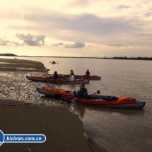 bicivan-tour-kayak-rio-meta-llanos-orientales-colombia-33.jpg