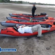 bicivan-tour-kayak-rio-meta-llanos-orientales-colombia-38.jpg