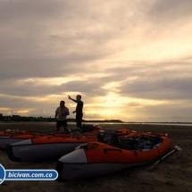 bicivan-tour-kayak-rio-meta-llanos-orientales-colombia-40.jpg