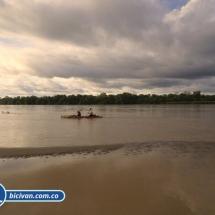 bicivan-tour-kayak-rio-meta-llanos-orientales-colombia-54.jpg