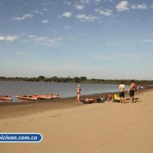 bicivan-tour-kayak-rio-meta-llanos-orientales-colombia-06.jpg