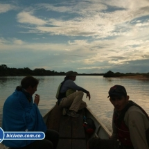 bicivan-tour-kayak-rio-meta-llanos-orientales-colombia-30.jpg
