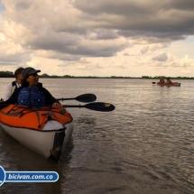 bicivan-tour-kayak-rio-meta-llanos-orientales-colombia-32.jpg