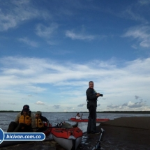 bicivan-tour-kayak-rio-meta-llanos-orientales-colombia-34.jpg