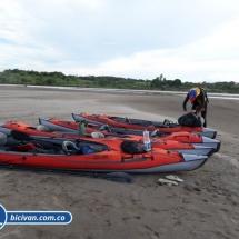 bicivan-tour-kayak-rio-meta-llanos-orientales-colombia-37.jpg
