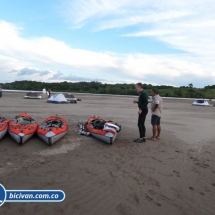 bicivan-tour-kayak-rio-meta-llanos-orientales-colombia-42.jpg