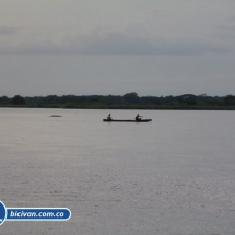 bicivan-tour-kayak-rio-meta-llanos-orientales-colombia-44.jpg