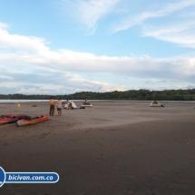bicivan-tour-kayak-rio-meta-llanos-orientales-colombia-45.jpg