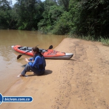 bicivan-tour-kayak-rio-meta-llanos-orientales-colombia-58.jpg