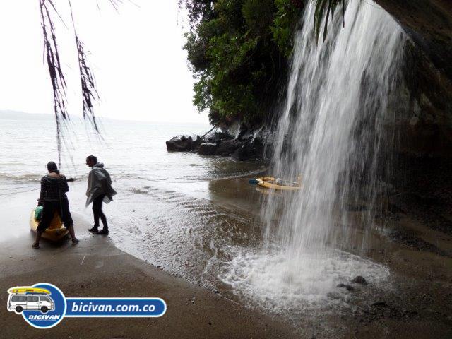 Ruta de las Cascadas Bahia Malaga- Bicivan Kayak Colombia0012