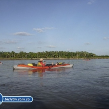 bicivan-tour-kayak-rio-meta-llanos-orientales-colombia-09.jpg