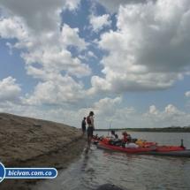 bicivan-tour-kayak-rio-meta-llanos-orientales-colombia-14.jpg