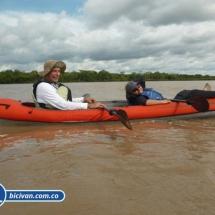 bicivan-tour-kayak-rio-meta-llanos-orientales-colombia-16.jpg